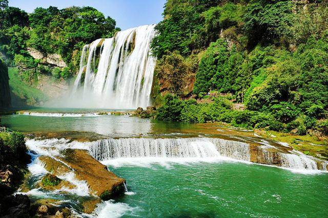 Chiêm ngưỡng thác nước hùng vĩ ở Quý Châu, Trung Quốc - Ảnh 2.