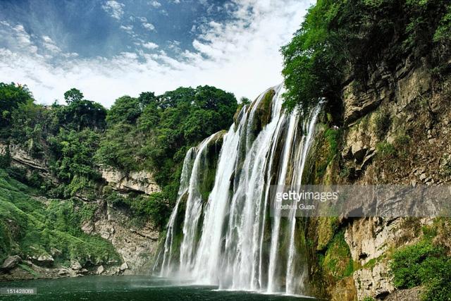 Chiêm ngưỡng thác nước hùng vĩ ở Quý Châu, Trung Quốc - Ảnh 9.