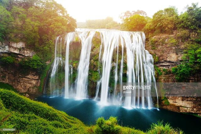 Chiêm ngưỡng thác nước hùng vĩ ở Quý Châu, Trung Quốc - Ảnh 10.