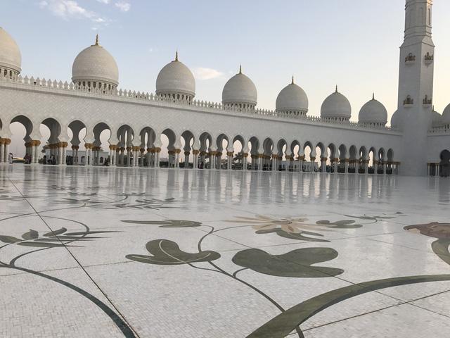 Nhà thờ Hồi giáo Sheikh Zayed (UAE) – Viên ngọc sáng giữa sa mạc - Ảnh 5.