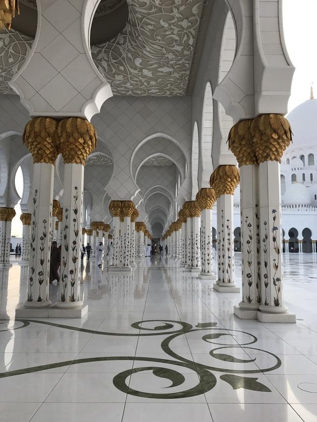 Nhà thờ Hồi giáo Sheikh Zayed (UAE) – Viên ngọc sáng giữa sa mạc - Ảnh 6.