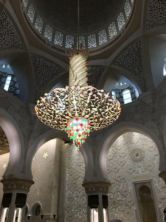 Nhà thờ Hồi giáo Sheikh Zayed (UAE) – Viên ngọc sáng giữa sa mạc - Ảnh 8.
