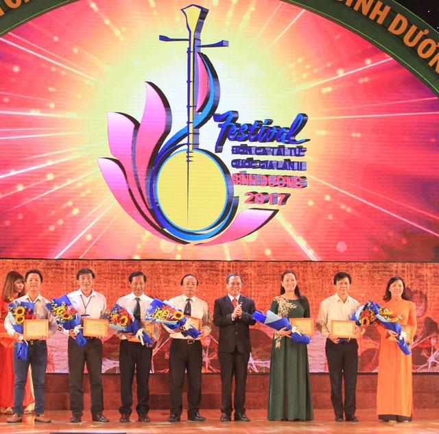 Bế mạc Festival Đờn ca tài tử quốc gia lần II - Ảnh 1.
