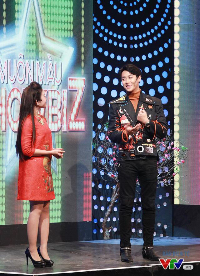 Chàng gà điển trai Rocker Nguyễn xông đất Muôn màu Showbiz - Ảnh 3.