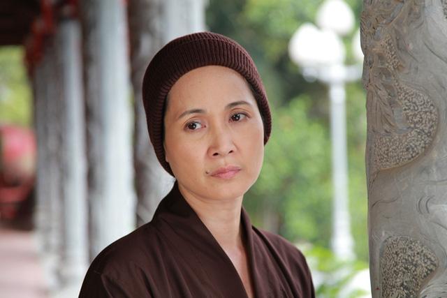 NSND Lan Hương: Sống chung với mẹ chồng phát sóng, chỉ sợ bị ném đá, phải đội mũ khi ra đường - Ảnh 1.