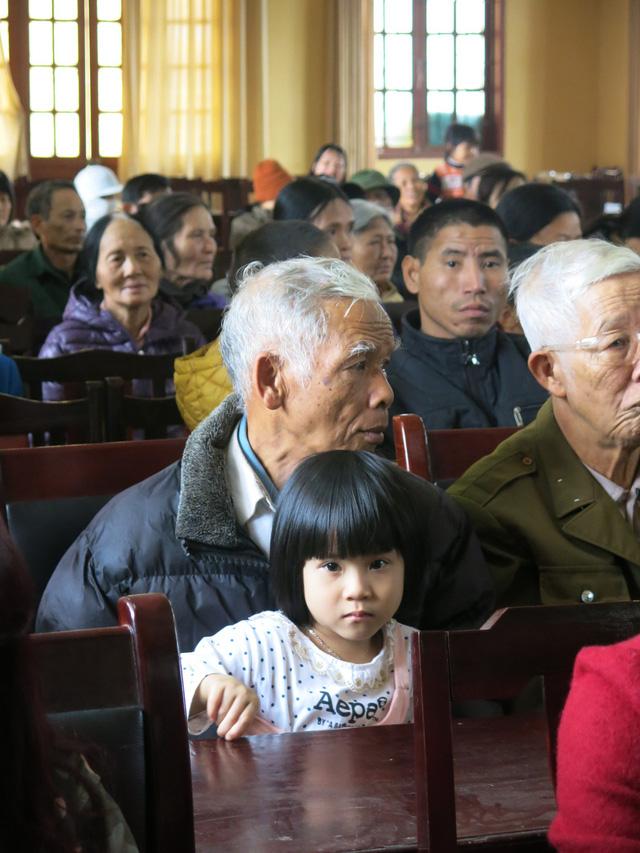 Niềm vui cuối năm dành tặng 70 em học sinh nghèo vượt khó xã Tân Hưng - Ảnh 5.