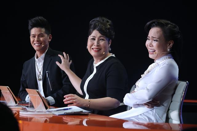 Việt Hương cúi đầu nể phục diễn viên Quốc Tuấn - Ảnh 3.