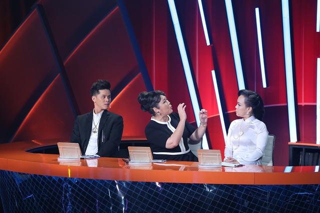 Bị dè bỉu ngoại hình, Hồng Vân mắng Việt Hương là kẻ hai mặt - Ảnh 1.