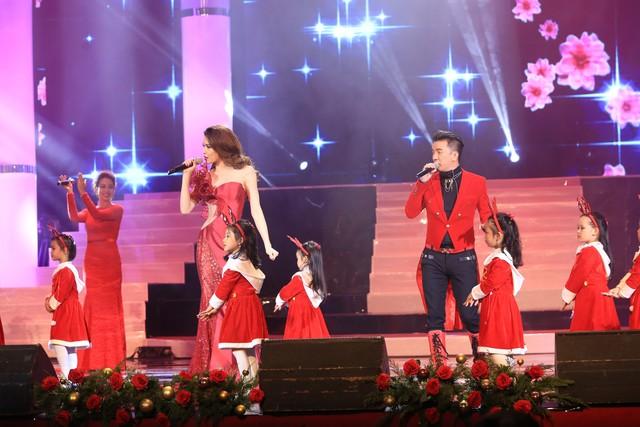 """Dàn sao thăng hoa trong đêm nhạc mừng Giáng sinh """"Đêm Việt Nam 6 – Tình ca đêm Noel"""" - Ảnh 3."""