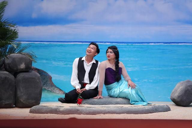 Tự Long hóa thành Hoa hậu lợn biển, đá xoáy khả năng hát live của các ca sĩ - Ảnh 4.