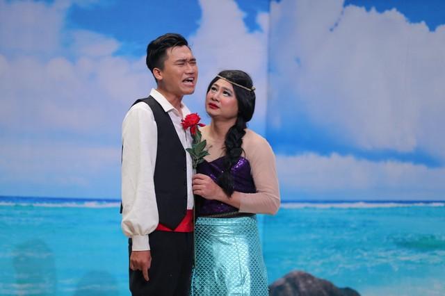 Tự Long hóa thành Hoa hậu lợn biển, đá xoáy khả năng hát live của các ca sĩ - Ảnh 3.