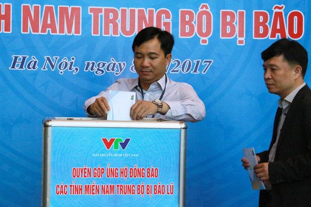 Đài THVN tổ chức lễ quyên góp ủng hộ đồng bào các tỉnh Nam Trung Bộ bị bão lũ - Ảnh 8.