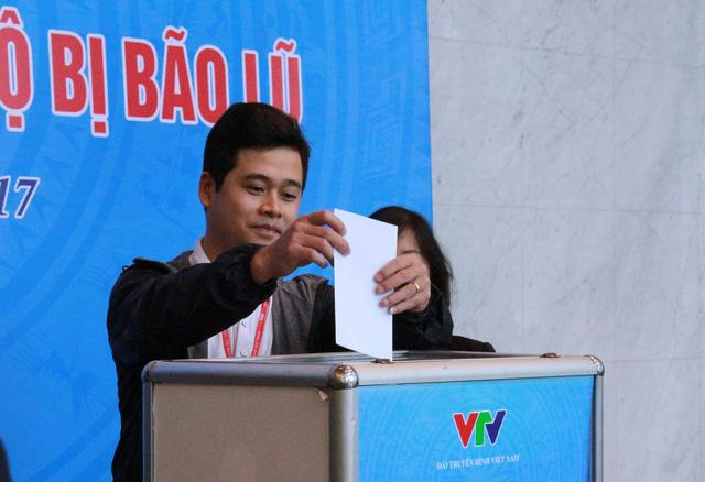 Đài THVN tổ chức lễ quyên góp ủng hộ đồng bào các tỉnh Nam Trung Bộ bị bão lũ - Ảnh 10.