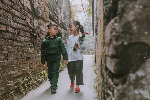 Cặp đôi nhí tái hiện lại thời ông bà anh qua những tấm ảnh - Ảnh 4.