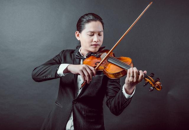 Nghệ sĩ violin Anh Tú: Fan cuồng xứ kim chi tạo cho tôi cảm hứng - Ảnh 1.