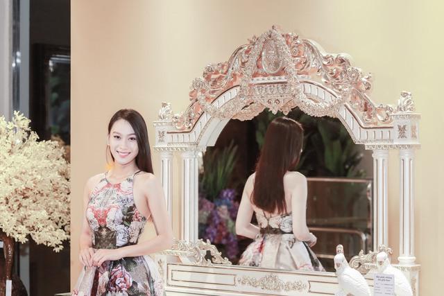 Á hậu Vân Quỳnh sánh vai với Việt Anh Người Phán Xử - Ảnh 1.