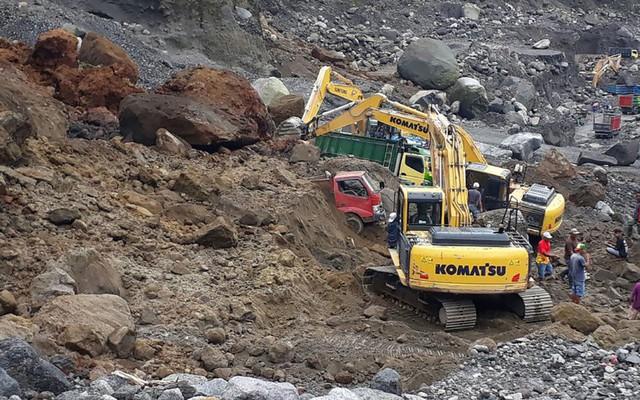 Indonesia: Lở đất trên sườn núi lửa, ít nhất 8 người thiệt mạng - Ảnh 2.