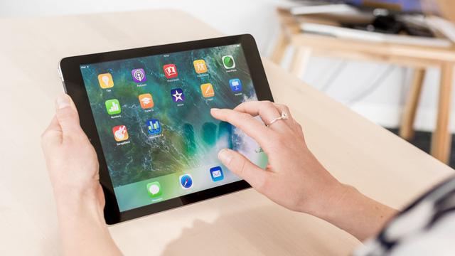 Apple chuẩn bị ra mắt iPad với giá bán cực rẻ - Ảnh 1.