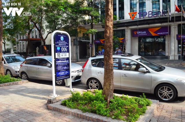 Hà Nội: Các bãi giữ xe vi phạm nhiều lần sẽ bị thu giấy phép - Ảnh 2.