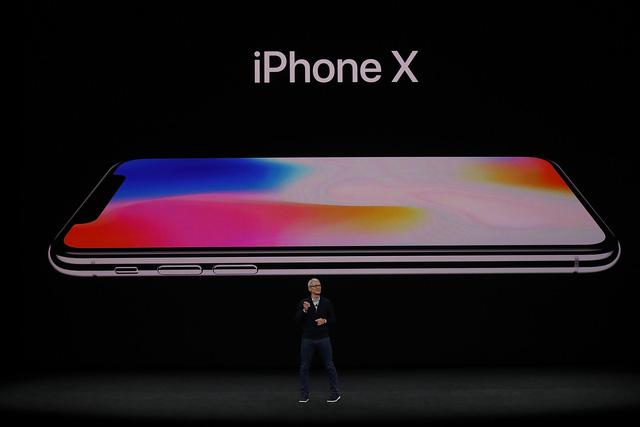 Chi tiết thông số cấu hình, giá bán của iPhone X - Ảnh 1.