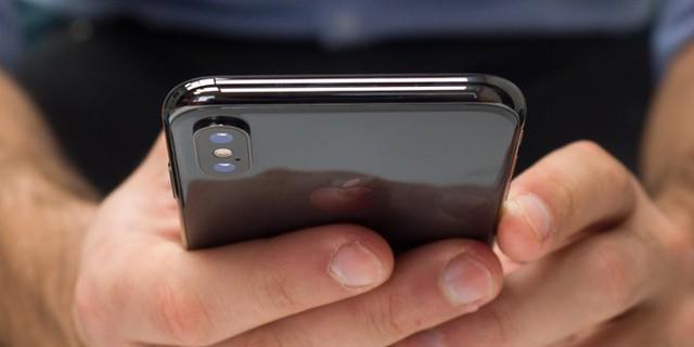 Apple nhận tin cực sốc từ iPhone X - Ảnh 1.
