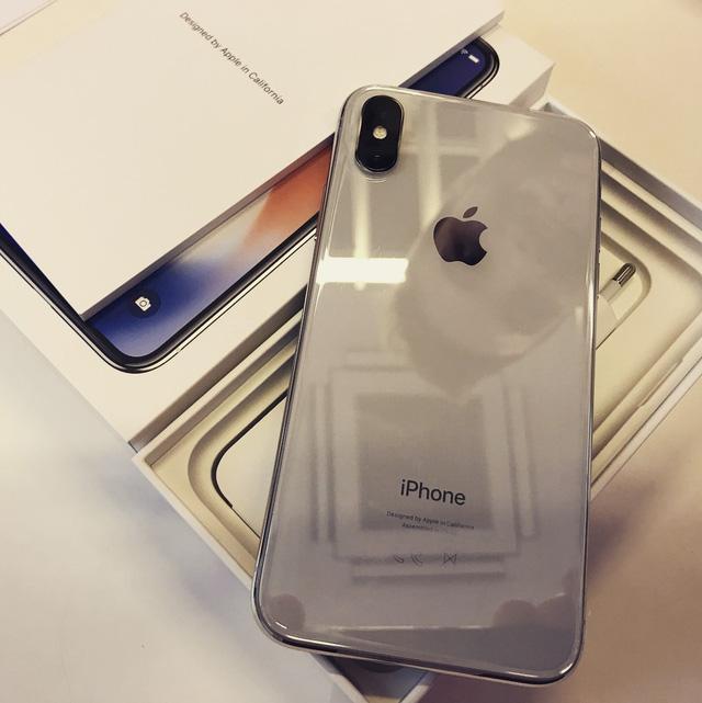 iPhone X tụt giá không phanh, chạm mốc 30 triệu đồng - Ảnh 2.