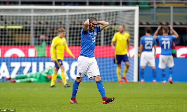 Sau 60 năm, Italia lần đầu tiên vắng mặt ở World Cup - Ảnh 4.