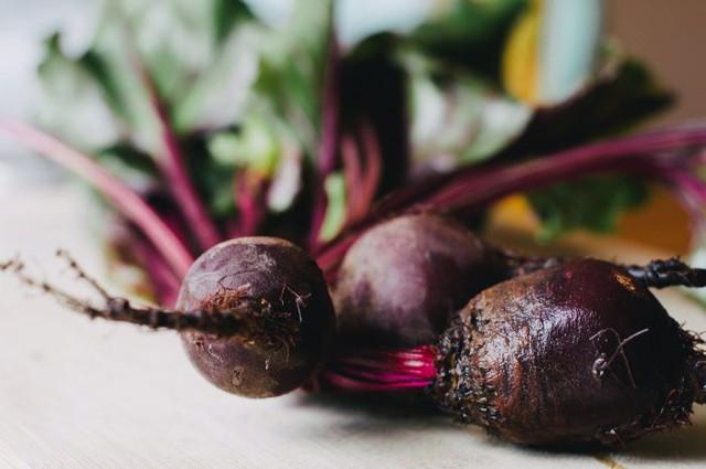 Những loại thực phẩm ăn nhiều khiến cơ thể bạn ám mùi - Ảnh 2.