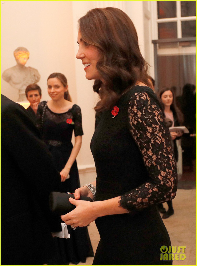 Nữ công tước Kate Middleto xinh đẹp đến ngỡ ngàng khi mang thai lần 3 - Ảnh 1.