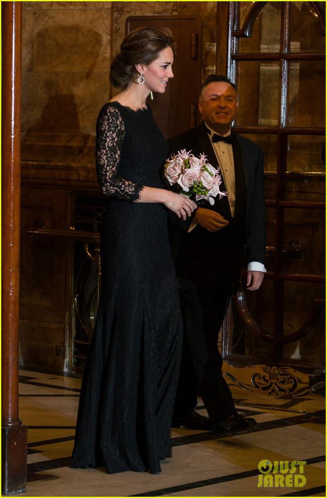 Nữ công tước Kate Middleto xinh đẹp đến ngỡ ngàng khi mang thai lần 3 - Ảnh 2.
