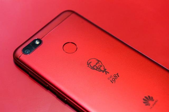 10 mẫu smartphone... khác người nhất trong lịch sử - Ảnh 6.