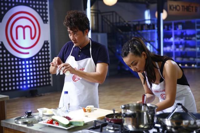 Vua đầu bếp 2017: Không chỉ là một NTK giỏi, Lý Quí Khánh còn ghi điểm bởi tài nấu ăn khéo léo - Ảnh 2.