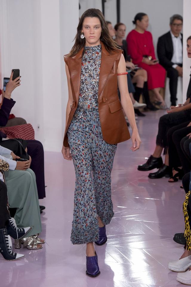 Thí sinh vồ ếch năm nào của Americas Next Top Model nay đầy quyến rũ ở Tuần lễ thời trang - Ảnh 9.