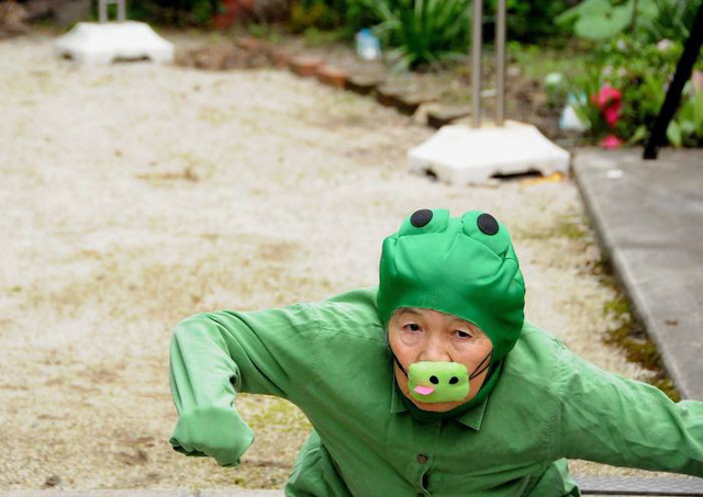 Cụ bà 90 tuổi trở thành người mẫu ảnh nổi tiếng Nhật Bản - Ảnh 1.