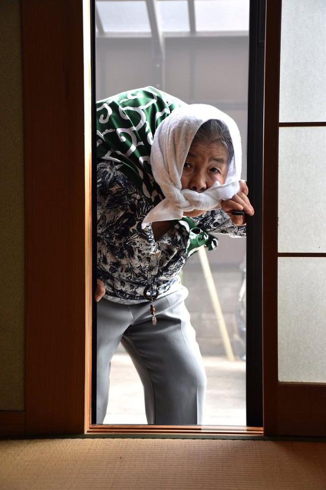 Cụ bà 90 tuổi trở thành người mẫu ảnh nổi tiếng Nhật Bản - Ảnh 11.