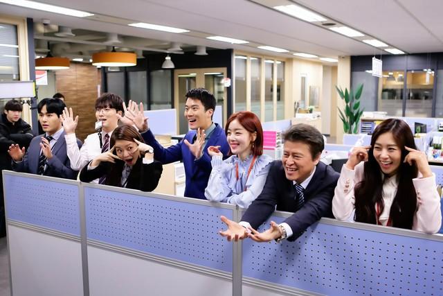 Phim truyền hình Hàn Quốc mới trên VTV3: Văn phòng lấp lánh - Ảnh 2.