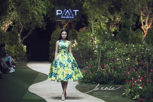 Hoa khôi Nam Em nổi bật với chiếc váy lộng lẫy... dài 5m - Ảnh 5.