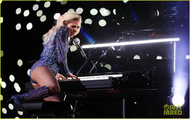 Lady Gaga phá đảo, nhận 6 đề cử Emmy 2017 - Ảnh 7.