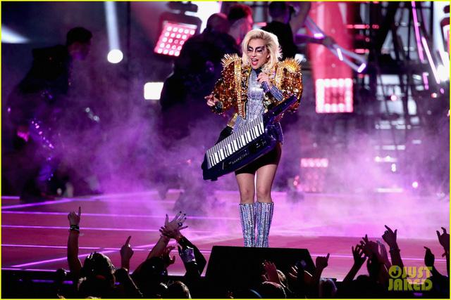 Lady Gaga phá đảo, nhận 6 đề cử Emmy 2017 - Ảnh 6.