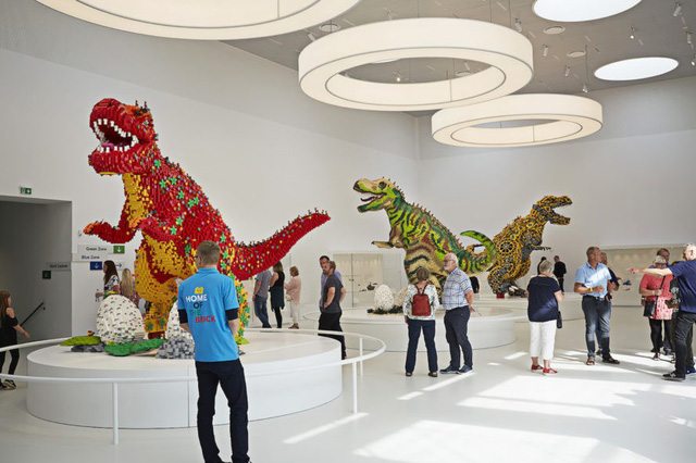 Ấn tượng ngôi nhà LEGO khổng lồ ở Đan Mạch - Ảnh 3.