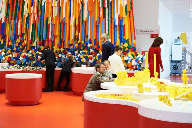 Ấn tượng ngôi nhà LEGO khổng lồ ở Đan Mạch - Ảnh 4.