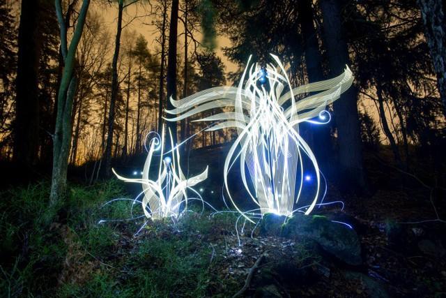 Độc đáo nghệ thuật vẽ tranh bằng ánh sáng - ảnh 5