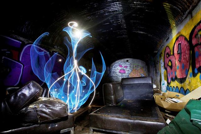 Độc đáo nghệ thuật vẽ tranh bằng ánh sáng - ảnh 4