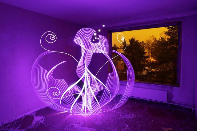 Độc đáo nghệ thuật vẽ tranh bằng ánh sáng - ảnh 3