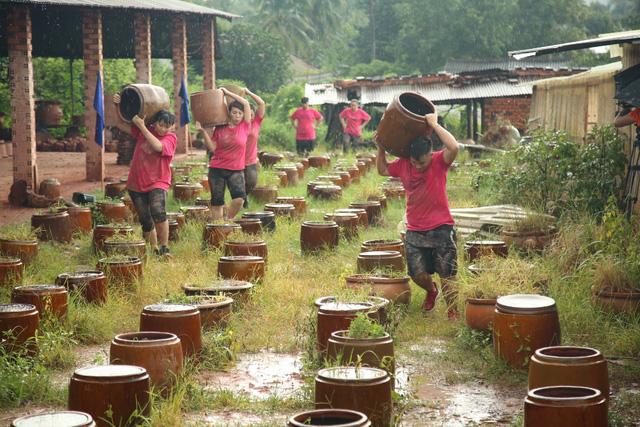 Top 7 Bước nhảy ngàn cân vác lu, khiêng đất mặc mưa gió - Ảnh 4.