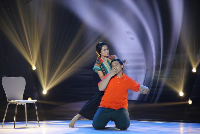 Bước nhảy ngàn cân: Búp bê ma Annabelle nhảy nhạc Hà Hồ cực quyến rũ - Ảnh 6.
