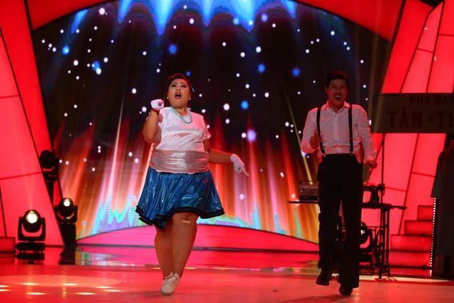 Bước nhảy ngàn cân: Búp bê ma Annabelle nhảy nhạc Hà Hồ cực quyến rũ - Ảnh 2.
