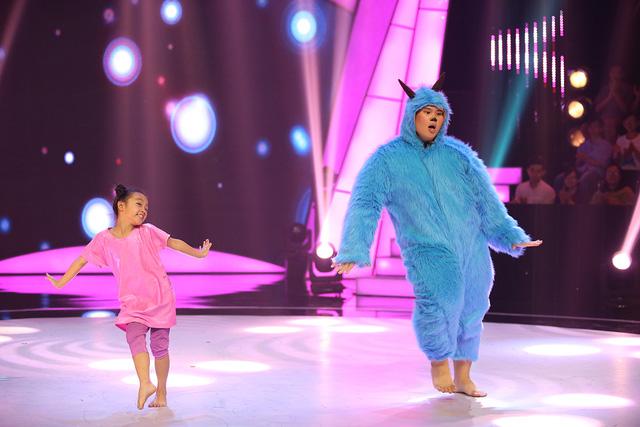 Tái hiện bộ phim se duyên Trấn Thành - Hari Won, thí sinh ngàn cân bị loại - Ảnh 1.