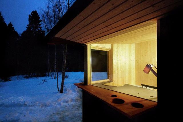 Ngôi nhà độc đáo ở Thụy Điển với khoảng giếng trời lạ mắt - Ảnh 8.
