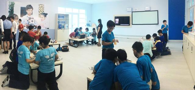 """Trường THCS Nguyễn Văn Tố ra mắt sân chơi khoa học """"VESA Robotics Club"""" - Ảnh 3."""